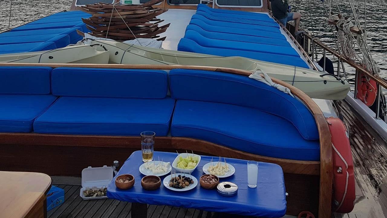 Goleta Blue Cruise