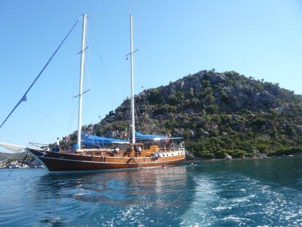 Goleta Arielle Deniz