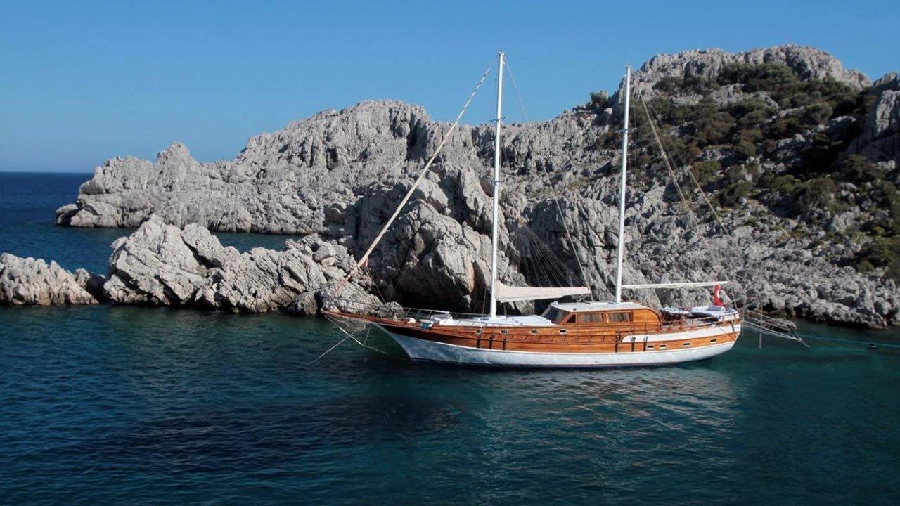 Goleta Azra Deniz