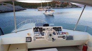 Yate a motor Aegean Angel