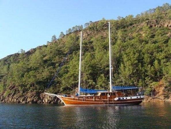 Arielle Deniz Goleta Yate