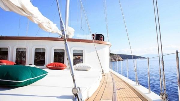 Goleta Deniz 61