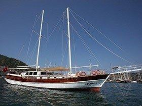 Holiday 5 Goleta