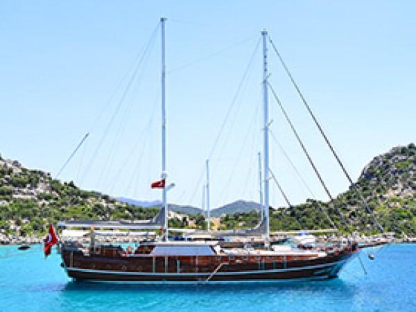 Kaptan Mehmet Bugra Goleta Yate