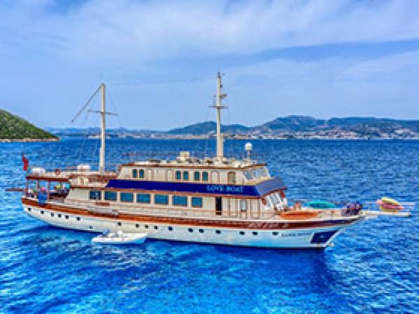 Love Boat Goleta